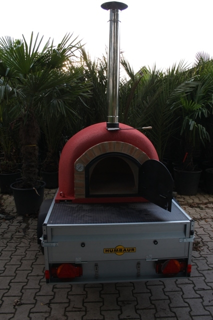 Pizzaofen auf Anhänger
